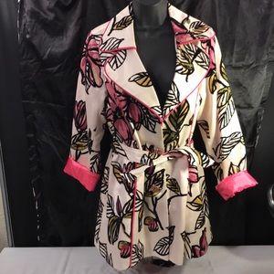 3 sisters jacket size Medium! Gorgeous